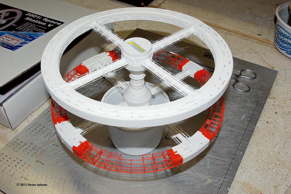 Starship Modeler - Fantastic Plastic's Space Station V